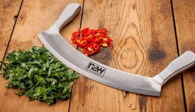 Mezzaluna Knives